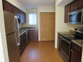 6813 Grimes Place N 3 Beds Townhouse for Rent Photo Gallery 1