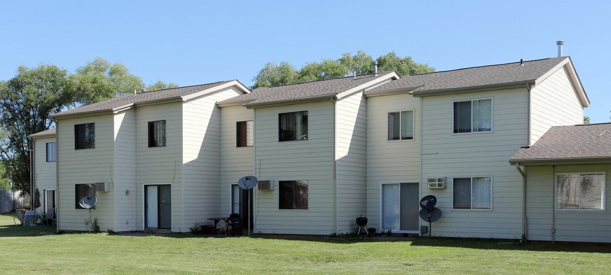 Victoria Townhomes Apartments In Brooklyn Center Mn
