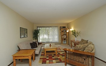 407 SW 11Th Avenue 1 Bed Apartment for Rent Photo Gallery 1