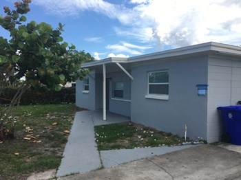 1507 Gardenia Ave 3 Beds House for Rent Photo Gallery 1