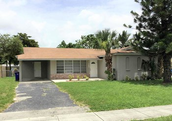 740 NW 67 Avenue 3 Beds House for Rent Photo Gallery 1