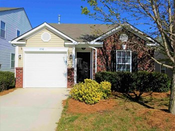 4548 Stone Mountain Drive 2 Beds House for Rent Photo Gallery 1