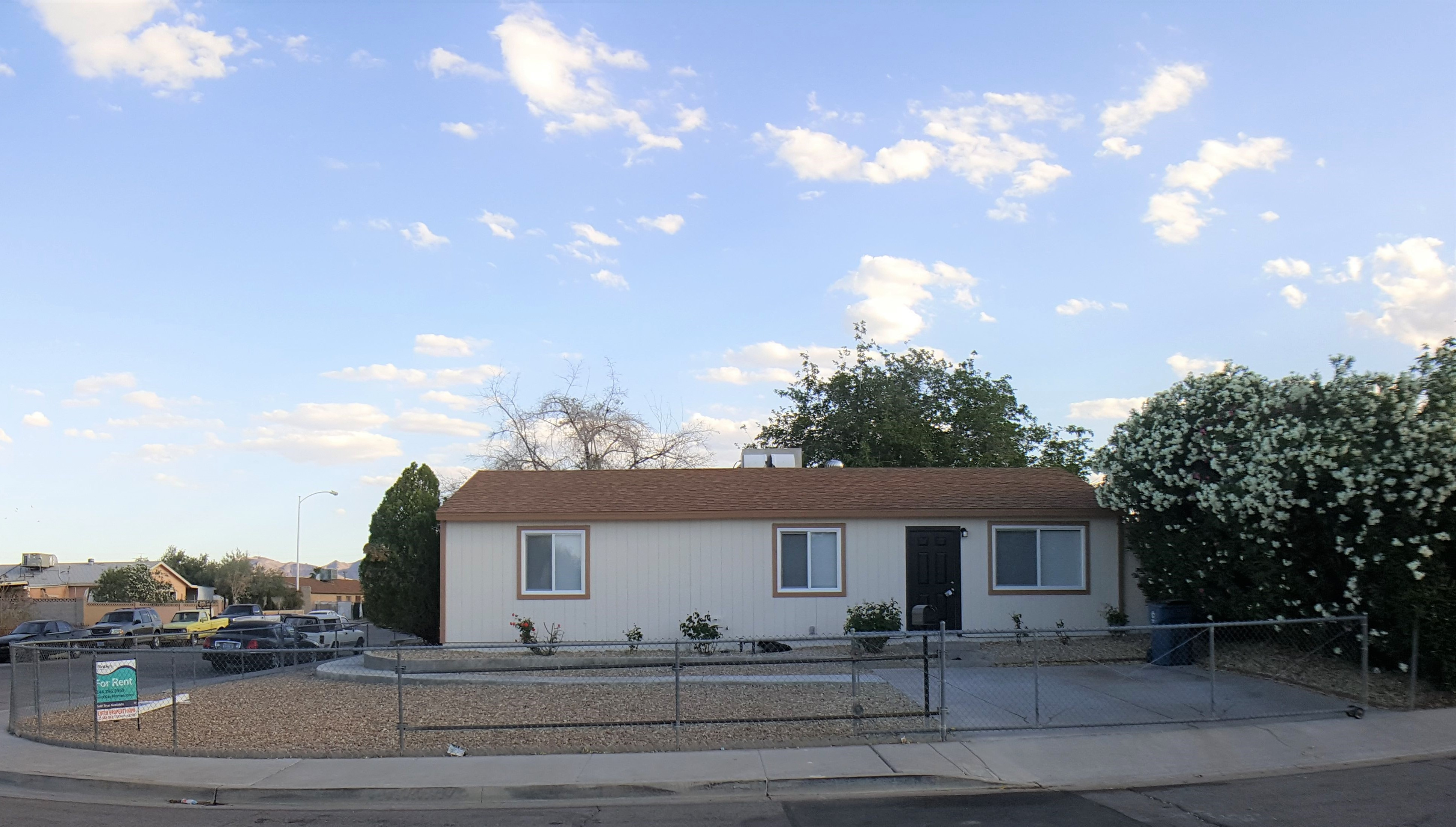 5483 Waltham Lane 3 Beds House For Rent Photo Gallery 1