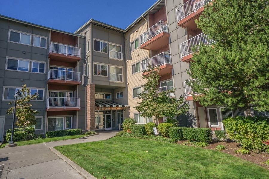 Apartments in Lynnwood, WA | Newberry Square Apartments