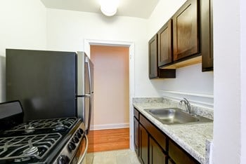 3101 Pennsylvania Ave SE Studio-1 Bed Apartment for Rent Photo Gallery 1