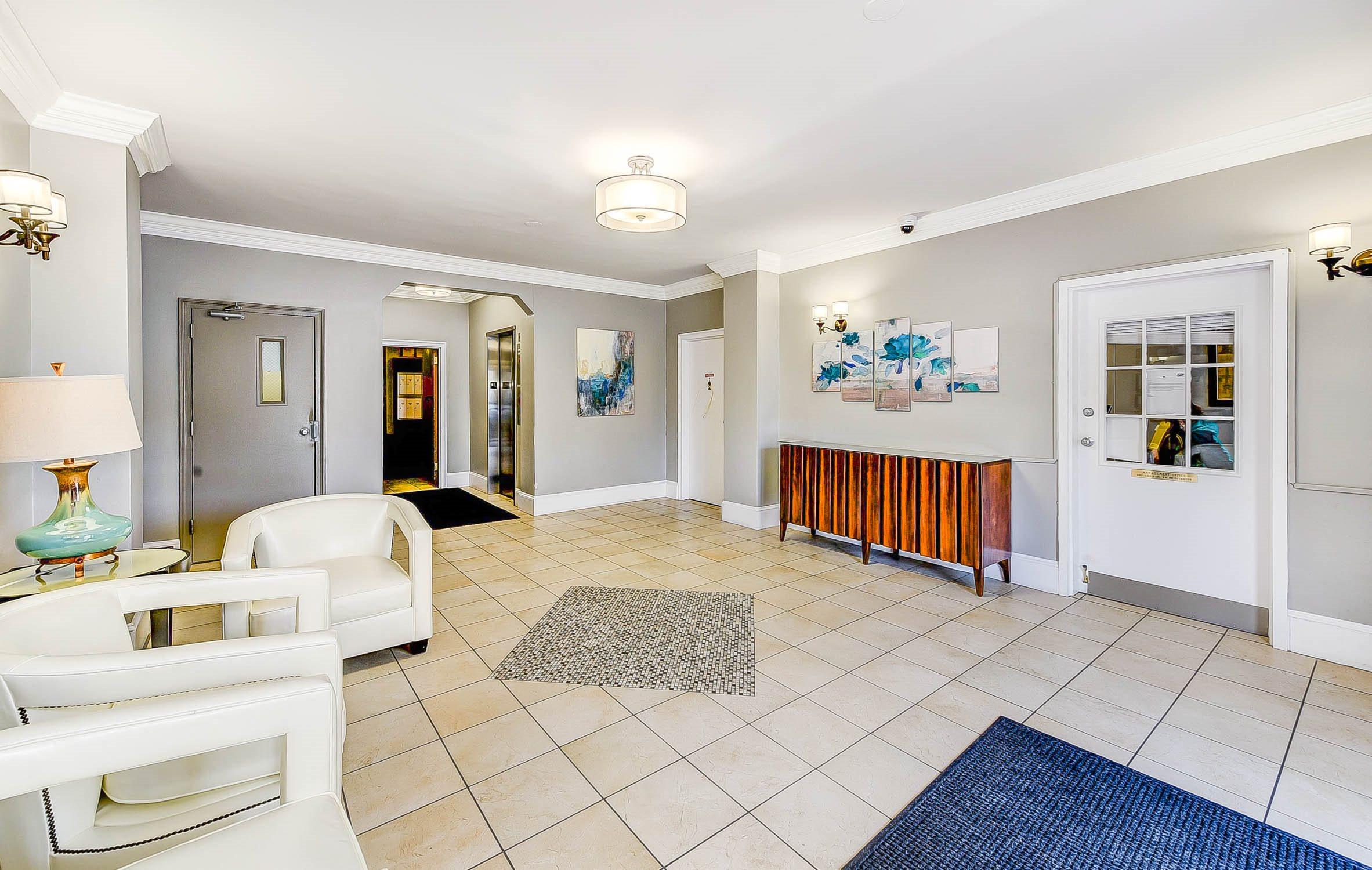 Meridian-Park-Apartments-Lobby