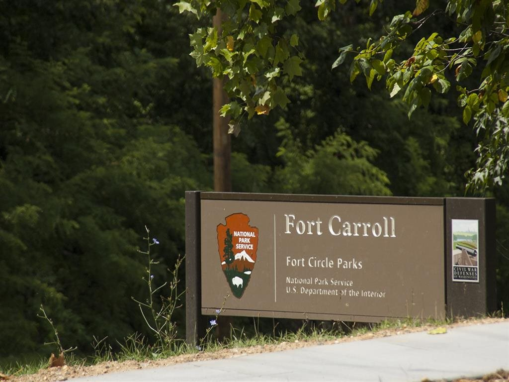 Fort-Caroll-Park-Monument-Sign