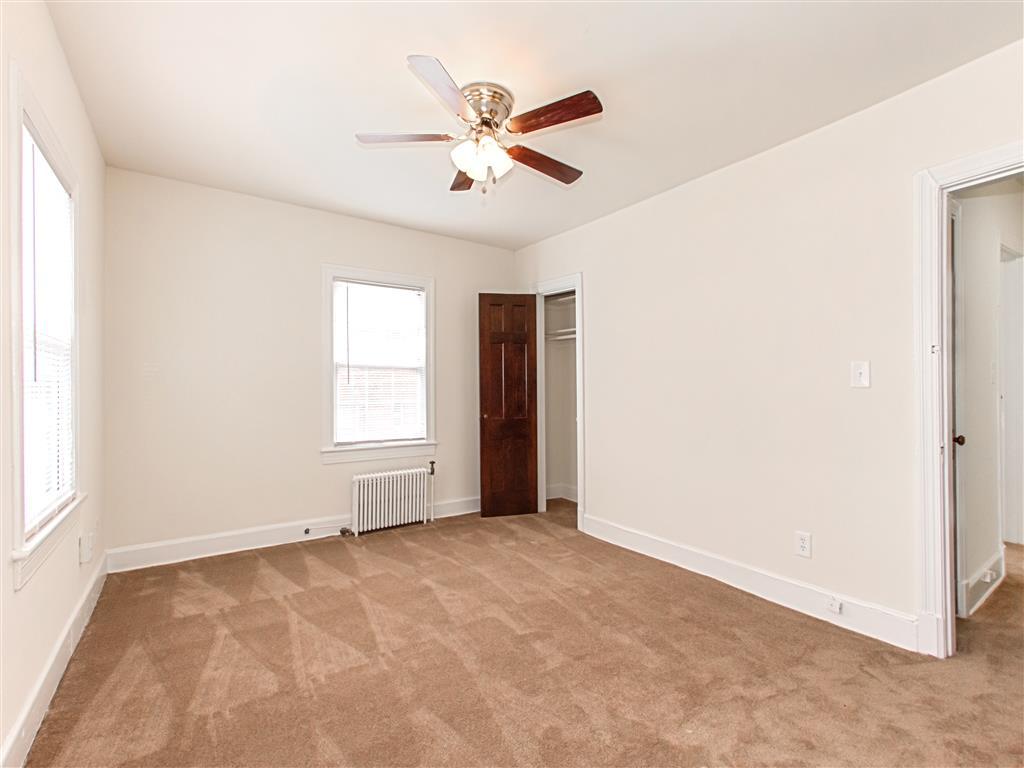 Skyland-Apartments-Bedroom-and-Closet-Doors