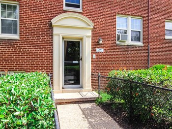 200 Trenton Pl SE 1-2 Beds Apartment for Rent Photo Gallery 1