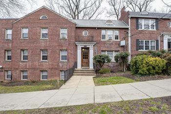 2629 39th St NW 1-2 Beds Apartment for Rent Photo Gallery 1