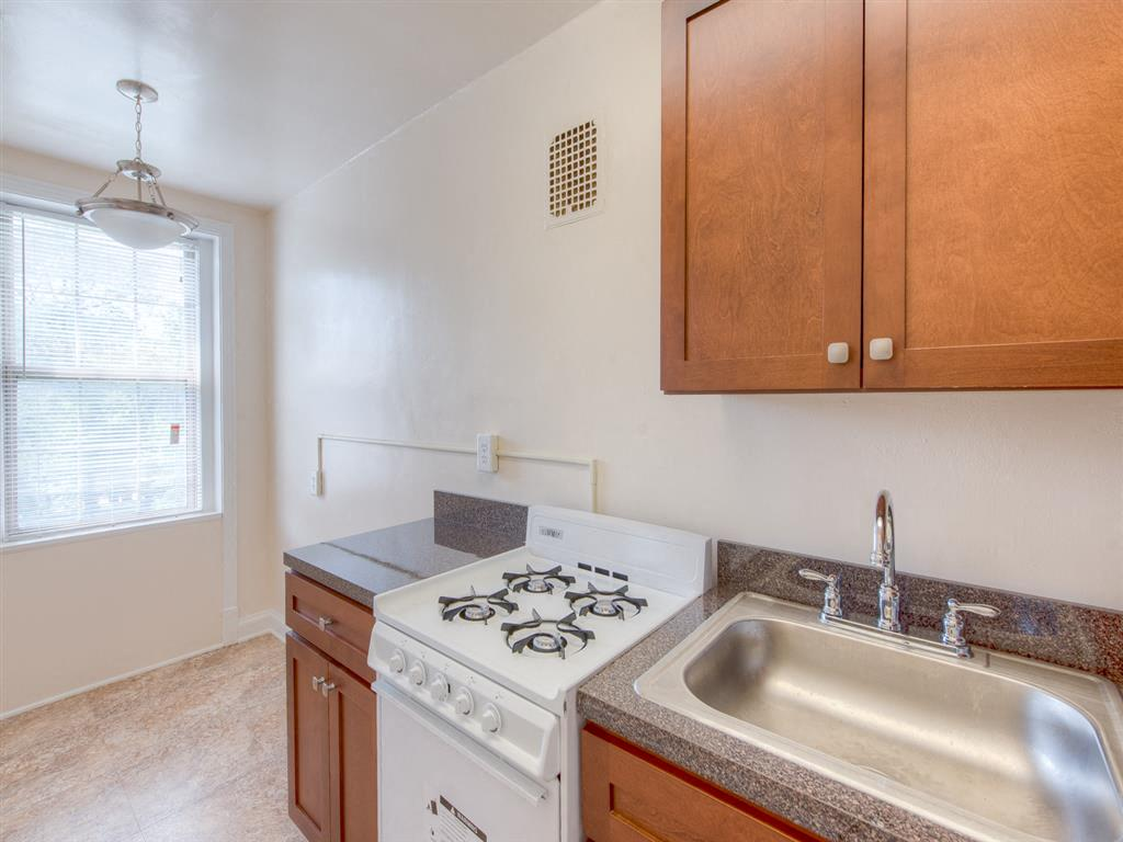 6100-14th-Street-Kitchen