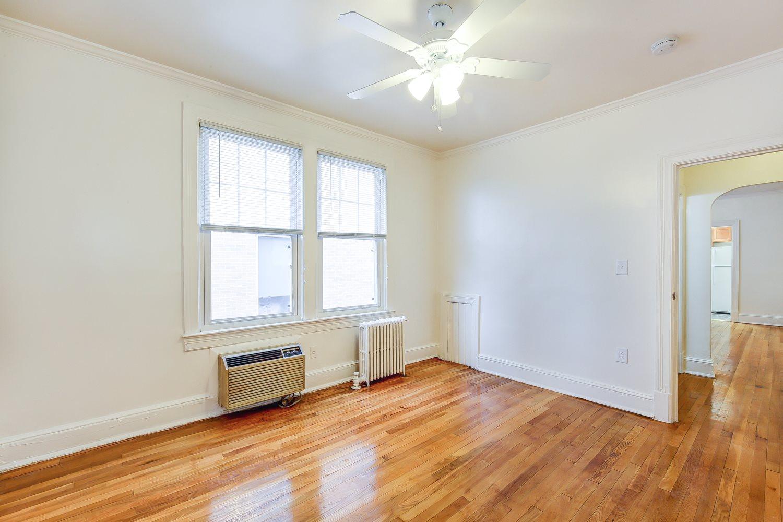 3213-Wisconsin-Avenue-Bedroom
