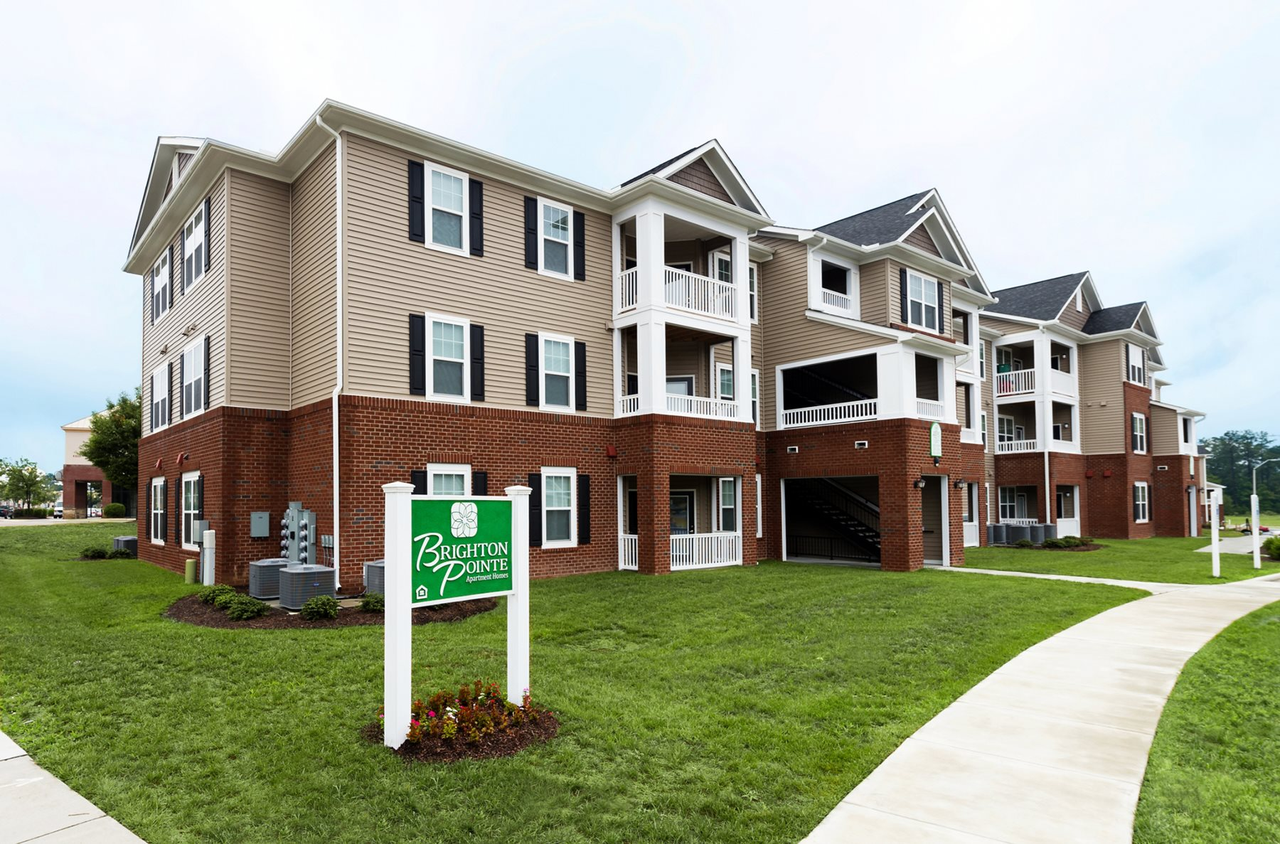 Brighton Pointe | Apartments in Raleigh, NC