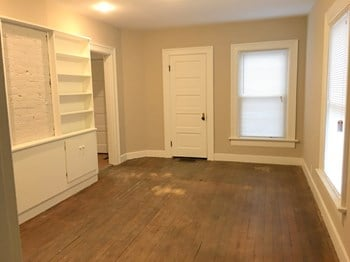 1138 Demphle Ave 4 Beds House for Rent Photo Gallery 1