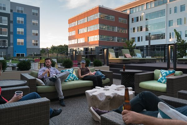 Sundeck, apartments in Pittsburgh, Pennsylvania