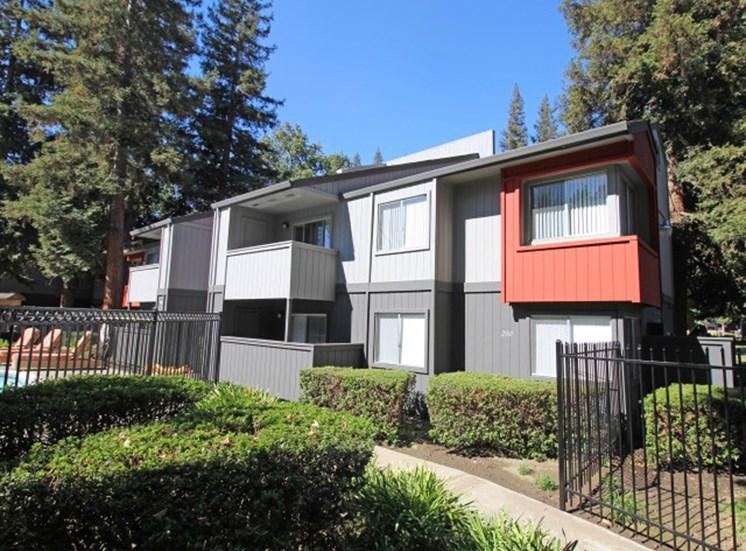 Sacramento Apartments - The Vue Building view