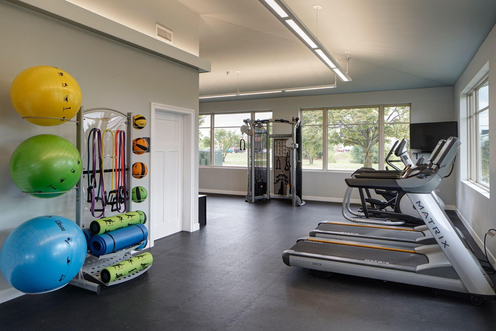 Fitness Center With Modern Equipment, at Eagle Creek Apartments, Westmont, IL