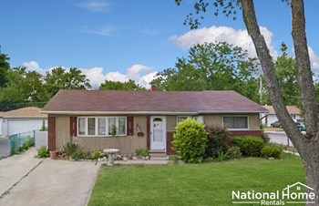 148 E Lincoln Ave 3 Beds House for Rent Photo Gallery 1