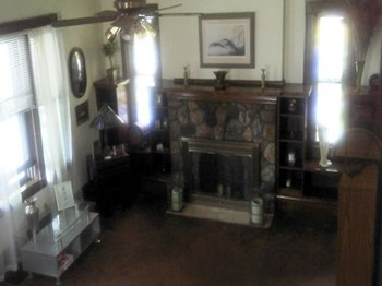 341 Hillwood Dr. 5 Beds House for Rent Photo Gallery 1
