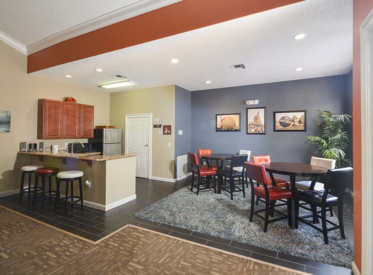 clubhouse dining space full kitchen free wifi