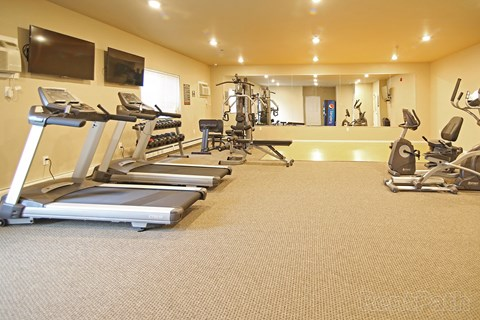 workout room, fitness center, gym