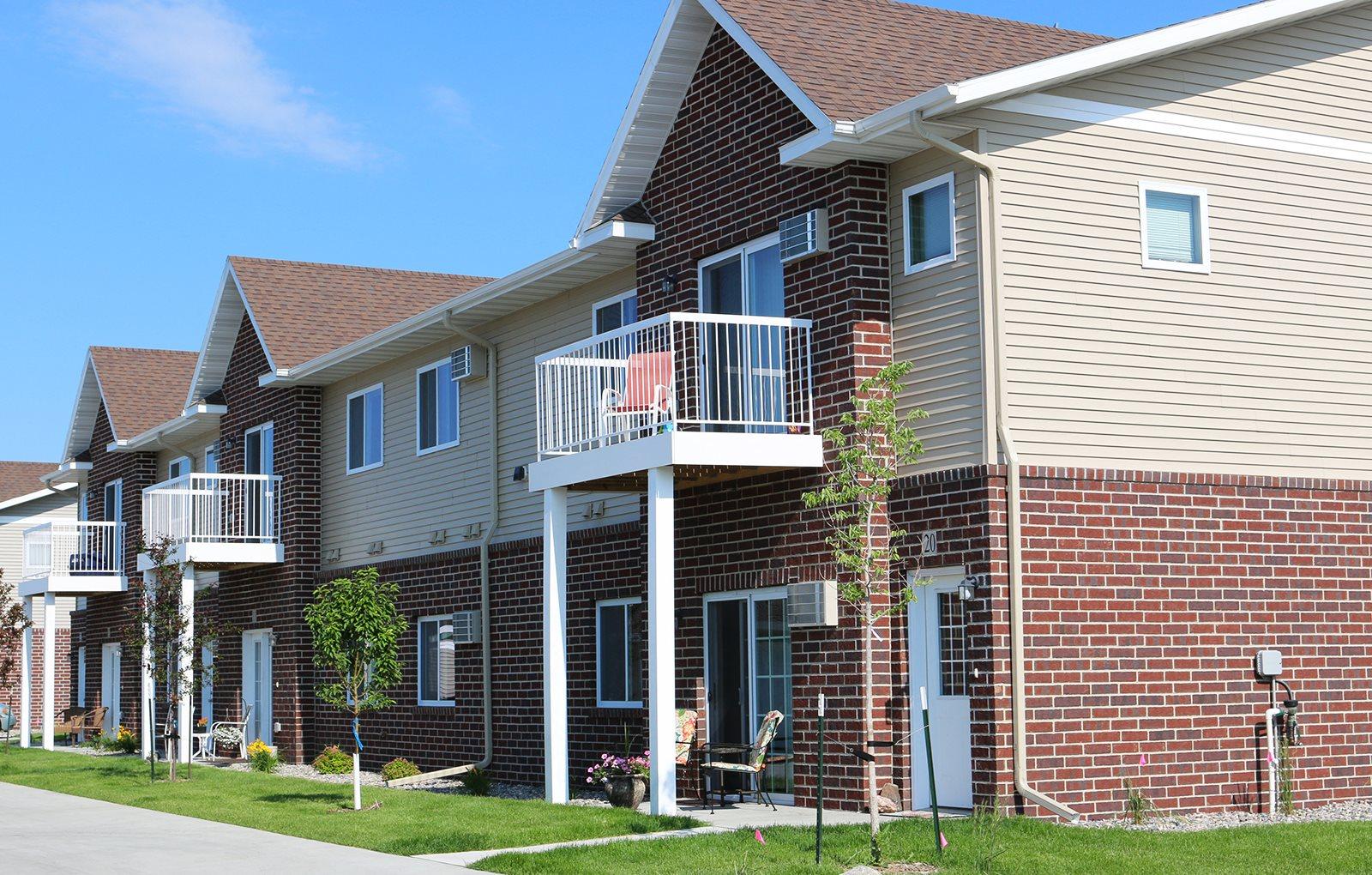 exterior, maple ridge villas, apartments