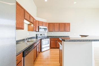 3241 8Th St NE, Unit A 3 Beds Townhouse for Rent Photo Gallery 1