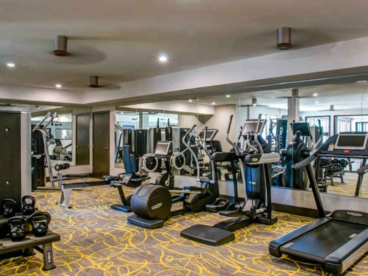 downtown san antonio apartments with a gym