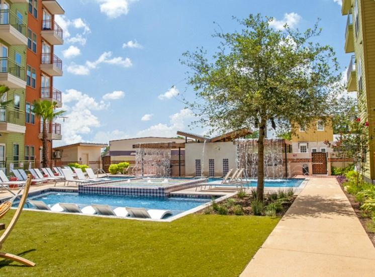 pool downtown san antonio apartments
