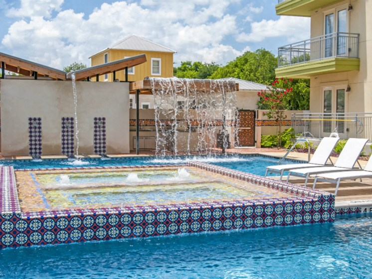 downtown san antonio apartments with pool