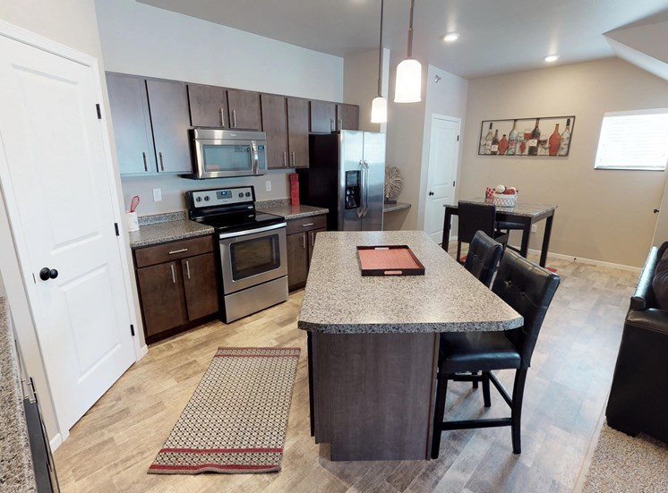 furnished apartment, moorhead kitchen