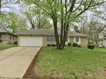5425 Hedges Ave 3 Beds House for Rent Photo Gallery 1