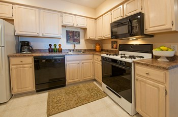 42 Haley Lane 2 Beds Apartment for Rent Photo Gallery 1