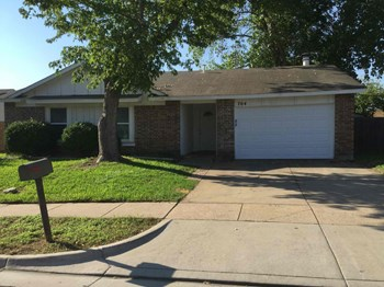 704 Cavalier Place 3 Beds House for Rent Photo Gallery 1
