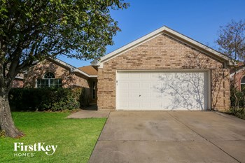 712 Bridle Trail 3 Beds House for Rent Photo Gallery 1