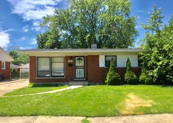 15612 Woodlawn E Avenue 3 Beds House for Rent Photo Gallery 1