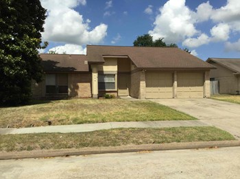 16411 N Cross Drive 3 Beds House for Rent Photo Gallery 1