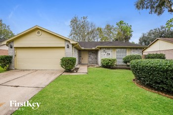 2718 N Brompton Drive 3 Beds House for Rent Photo Gallery 1
