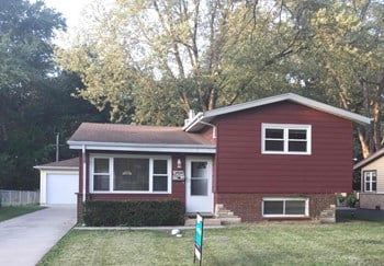 3434 W 218th Street 3 Beds House for Rent Photo Gallery 1