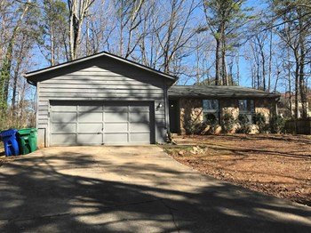 5361 Martins Crossing Road 4 Beds House for Rent Photo Gallery 1