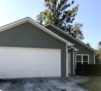 5724 Meadowview Road 3 Beds House for Rent Photo Gallery 1