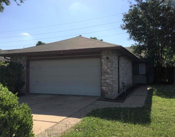 6316 Porterway Drive 3 Beds House for Rent Photo Gallery 1