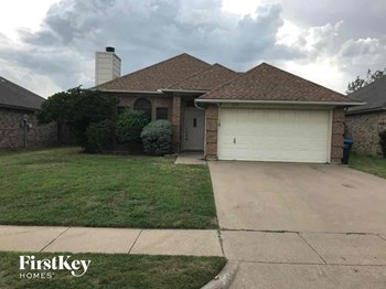 6317 Woodcreek Trail 3 Beds House for Rent Photo Gallery 1
