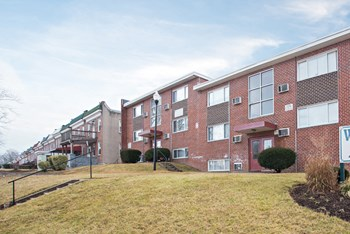 4240-42 Bonner Rd 2 Beds Apartment for Rent Photo Gallery 1