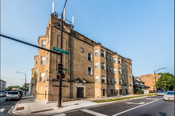 South Austin Apartments for rent in Chicago | 5201 W Washington Blvd