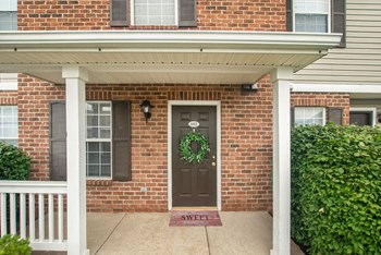 2230 East Castle Drive 2-3 Beds Apartment for Rent Photo Gallery 1