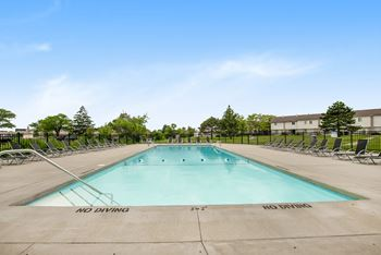 3734 Camelot Dr SE 1-2 Beds Apartment for Rent Photo Gallery 1