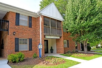 402-H East Montcastle Drive 1 Bed Apartment for Rent Photo Gallery 1
