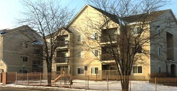 1440-1450 E Grand Ave 1-3 Beds Apartment for Rent Photo Gallery 1