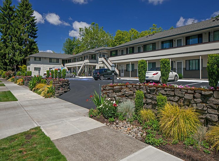 Centrally Located Community at Crown Royal, Oregon, 97212